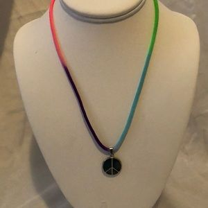 🌈Rainbow peace sign mood changing necklace☮️